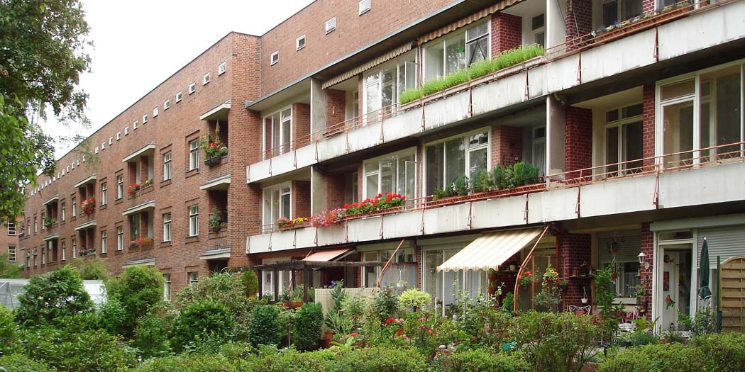 Schillerpark Housing Estate in Berlin-Wedding. Photo by Marbot [CC BY-SA 3.0] via Wikipedia Commons